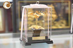 Biểu trưng hoa lan bằng đồng mạ vàng 24k, giá bán hoa lan vàng 24k