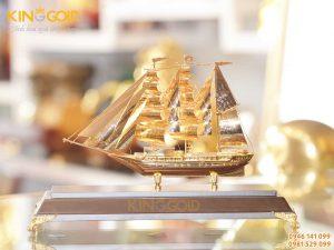 Thuyền buồm căng gió mạ vàng 24k- quà tặng cao cấp Tết Canh Tý 2020